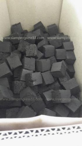 正方形の木炭ブリケットまたはシーシャ